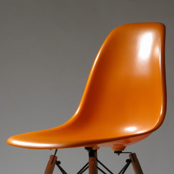 EAMES DSW DINING SIDE CHAIR